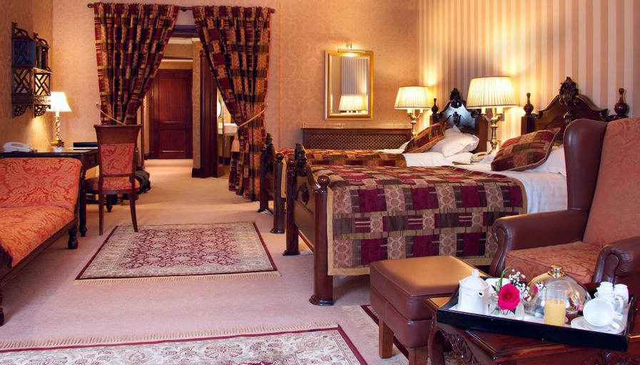 Harvey's Point Hotel,