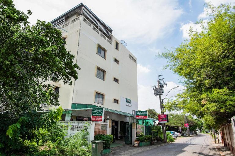Kedkanok Apartment, Sai Mai