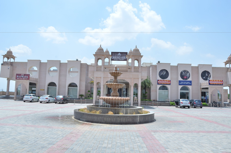 Grand Hira Resort, Alwar