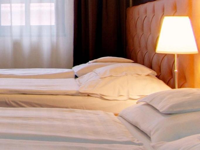 Corvin Hotel Apartments, Gyulai