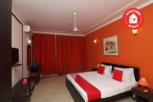 OYO 69941 Hotel Krs Luxury Stay, Gautam Buddha Nagar