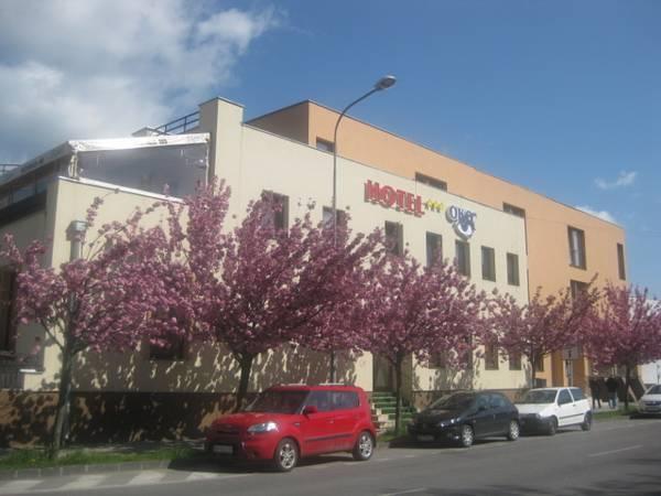Hotel Oko, Nitra