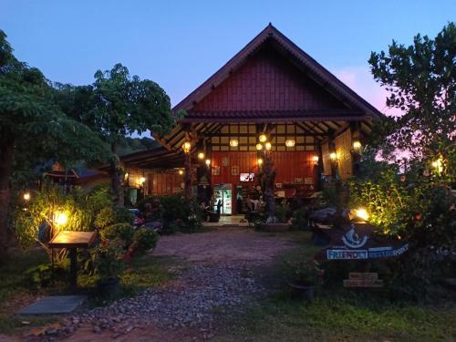 Friendly Koh Jum, Nua Khlong
