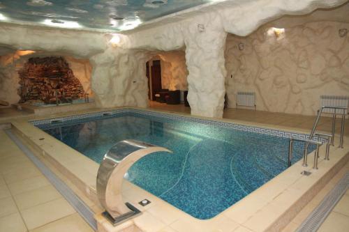 Kleopatra VIP hotel, Kamianets'-Podil's'ka