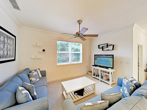 New Listing! Townhome Near Beach With Pool & Balcony Townhouse, Flagler