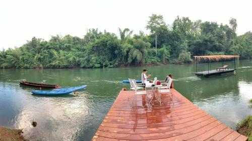 Suan Ruen Rom view raft, Thong Pha Phum