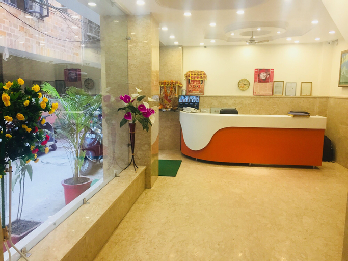 Hotel Tushar Continental, West