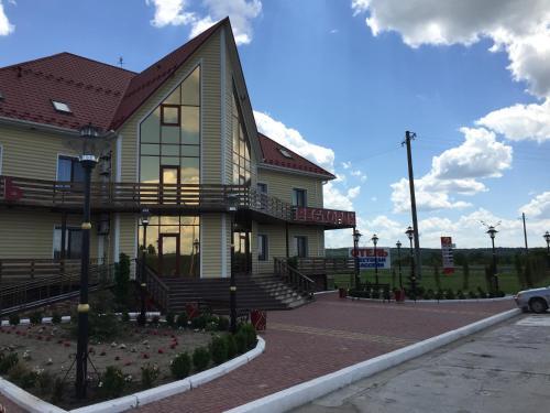 Hotel Oktan, Kryvoozers'kyi