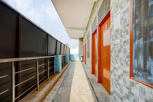 SPOT ON 75142 Hotel Blue Highway, Ghaziabad