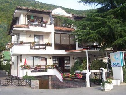 Hotel Dva Bisera,