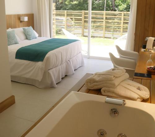 Live Hotel Boutique (adults only), n.a351