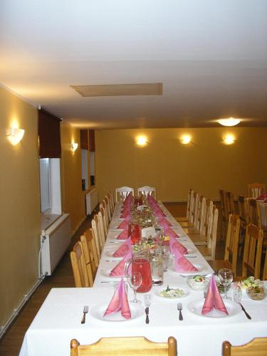Pinska Guesthouse, Pärsti