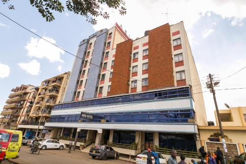 Asis Hotel, Kapseret