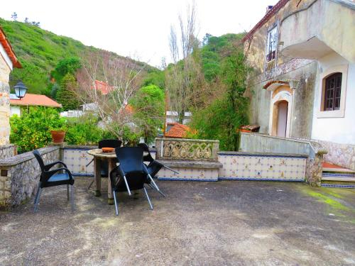 House with 2 bedrooms in Porto de Mos with wonderful lake view shared pool furnished garden 30 km fr, Porto de Mós