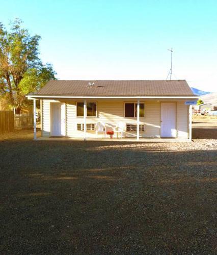 Bunkhouse Motel, Piute