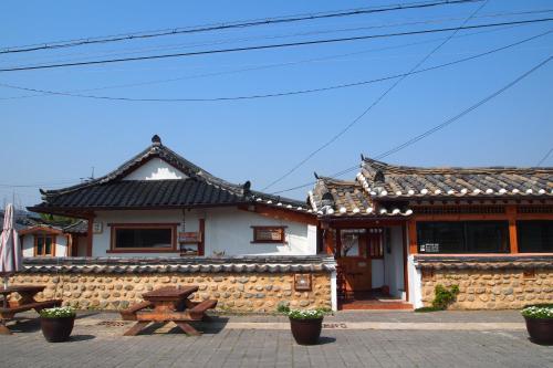 Floral Space Hanok Guesthouse, Gyeongju