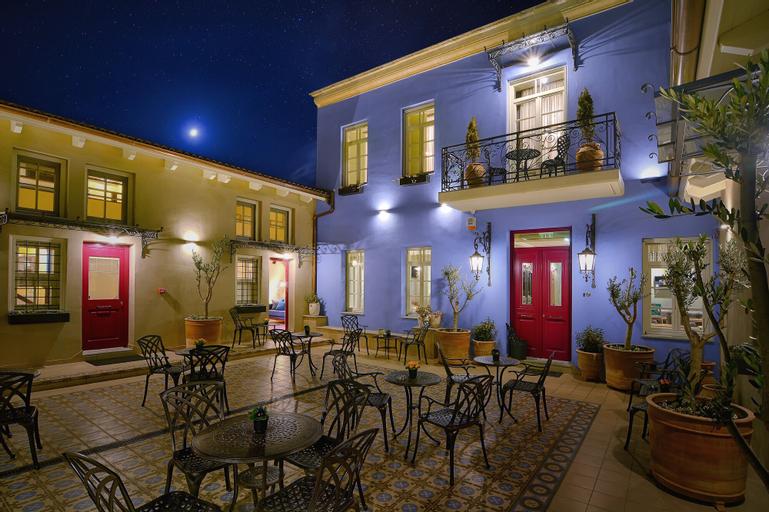 Hotel Antique, Epirus