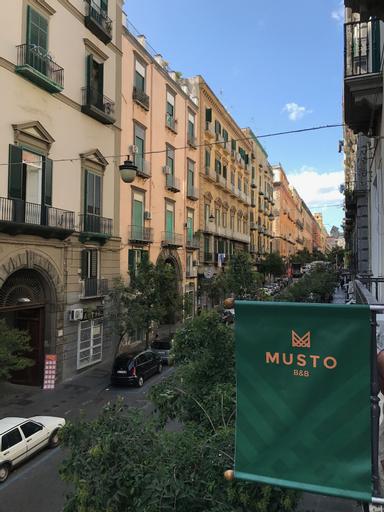 Musto B&B, Napoli