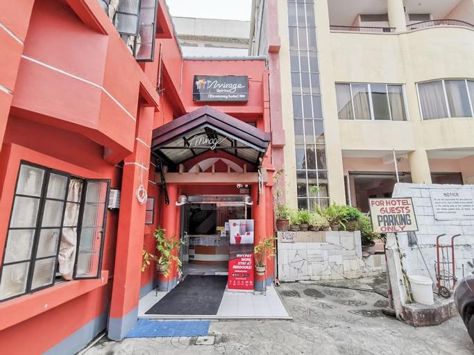 RedDoorz near Davao Doctors Hospital , Davao City