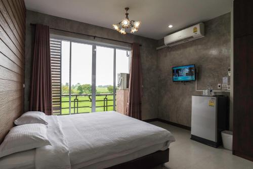 Nava Resort, Pak Phli