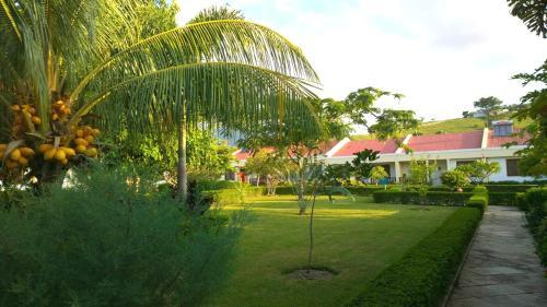 Malinamoc Paradise, Dili Barat