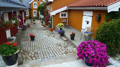 Tollgaarden Gjestegaard, Larvik
