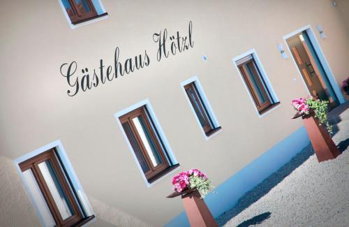 Gastehaus Hotzl, Deggendorf
