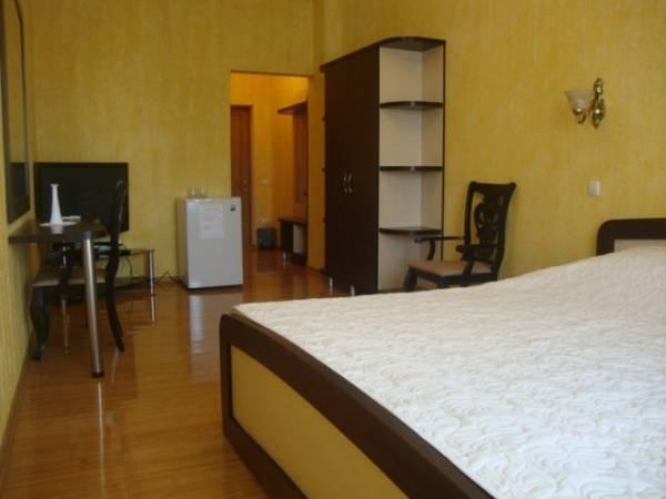 Korona Hotel,