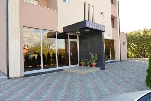 Hotel Konstantin, Priština