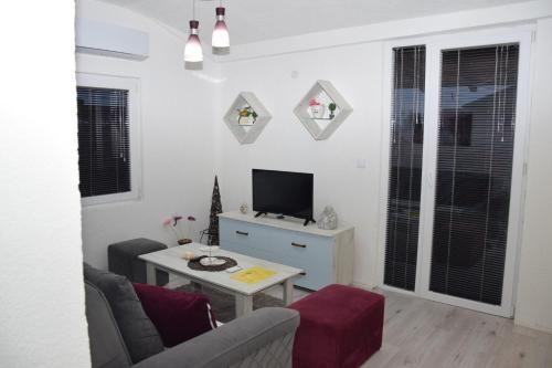 Markos Towers Apartments,
