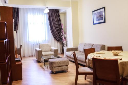 Ardager Residence, Makhambetskiy