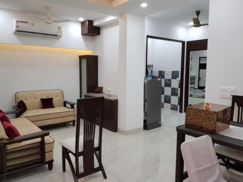 Entire World Class Apartment near Metro Station, Gautam Buddha Nagar