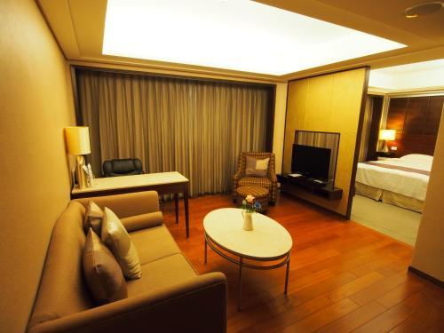 Elite Hotel, Miaoli
