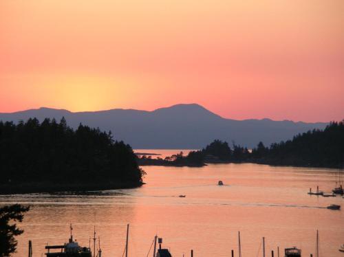 Enchanter Ocean View Suites, Sunshine Coast