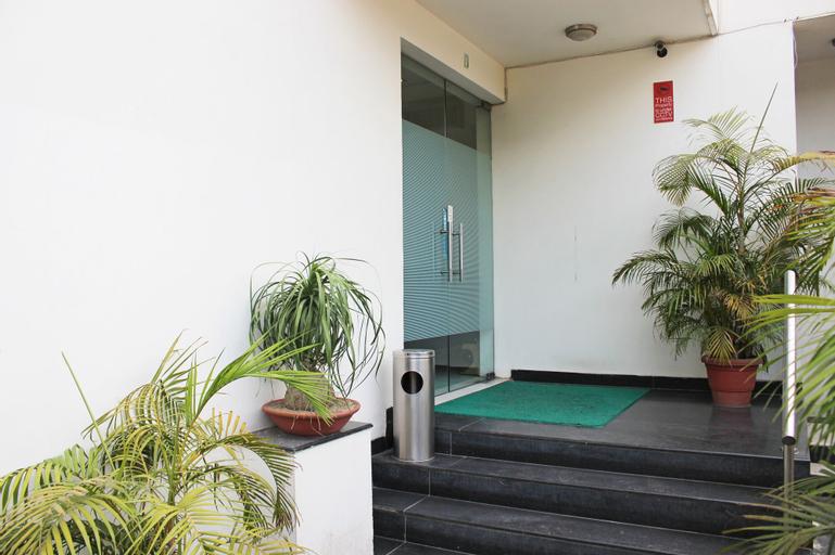 OYO 605 Hotel Camria, Gurgaon