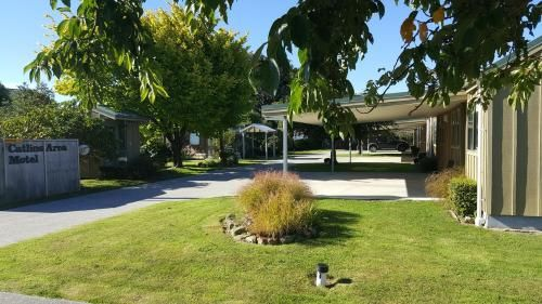 Catlins Area Motel, Clutha