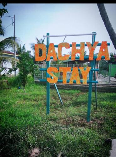 Dachya Stay, Sabak Bernam
