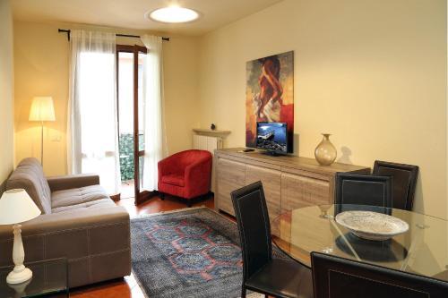 Claudio Appartamenti, Verona