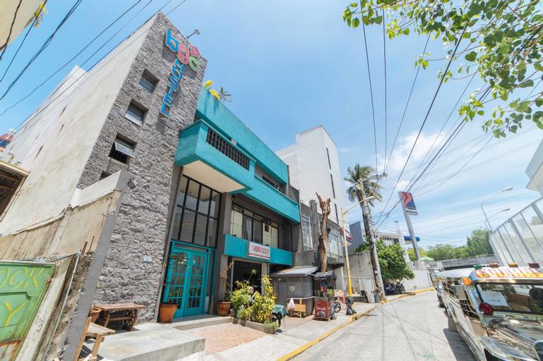 RedDoorz Plus @ Danlig Street Makati, Makati City