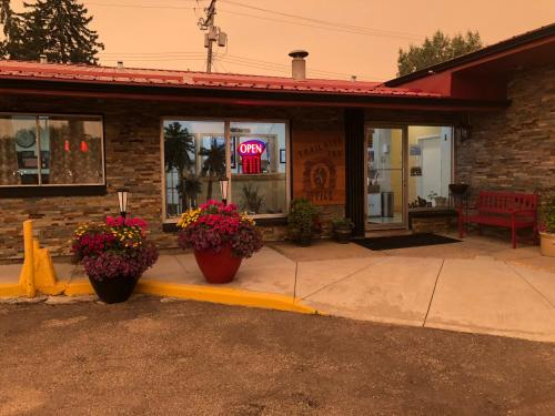Trailside Inn, Division No. 17