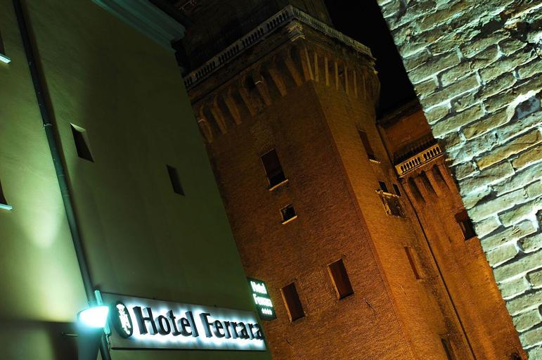 Mercure Ferrara, Ferrara