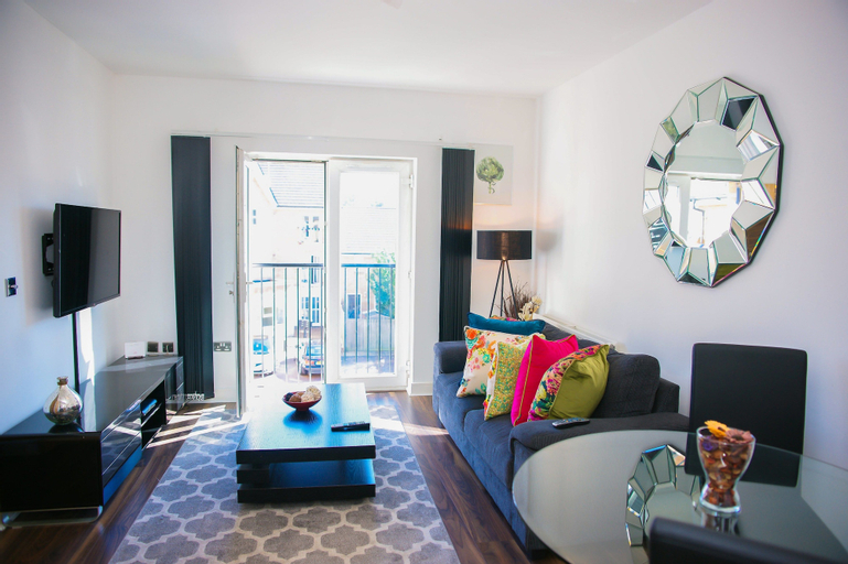 Modern 2 Bed Apartment, London