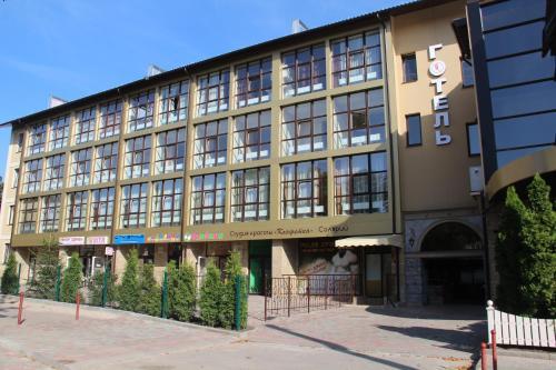 Misteriya Hotel, Kharkivs'ka