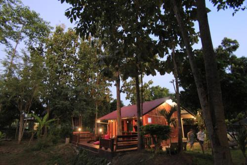 Baan Suan Auy Kham, Mae Sai