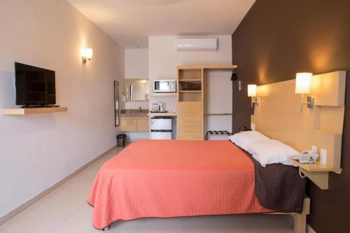 Nova Hotel, Cadereyta Jiménez