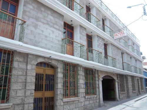 Hotel Moquegua, Mariscal Nieto
