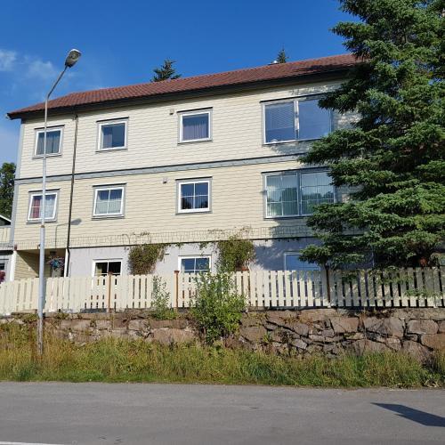 Berg Apartments, Vågan