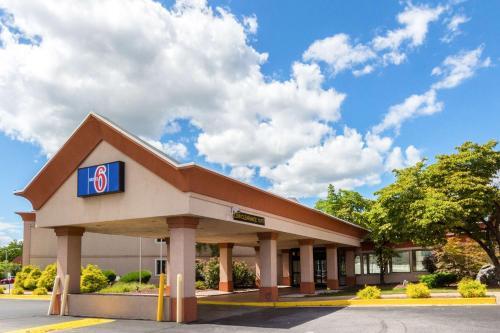 Motel 6-Chambersburg, PA, Franklin