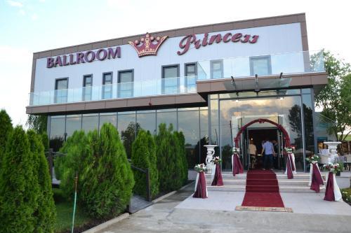 Princess Ballroom, Rosiori De Vede
