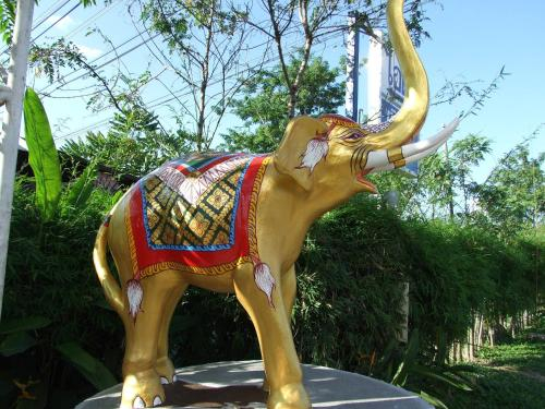 The Minigolf Resort & Restaurant, San Kamphaeng